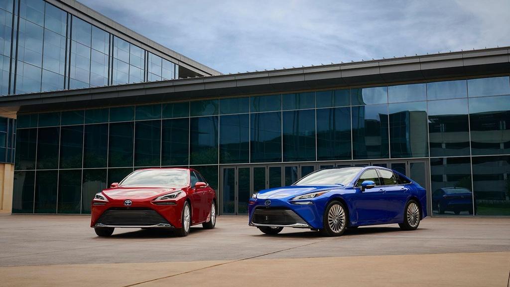 Toyota Mirai 2021 lo dien anh 1