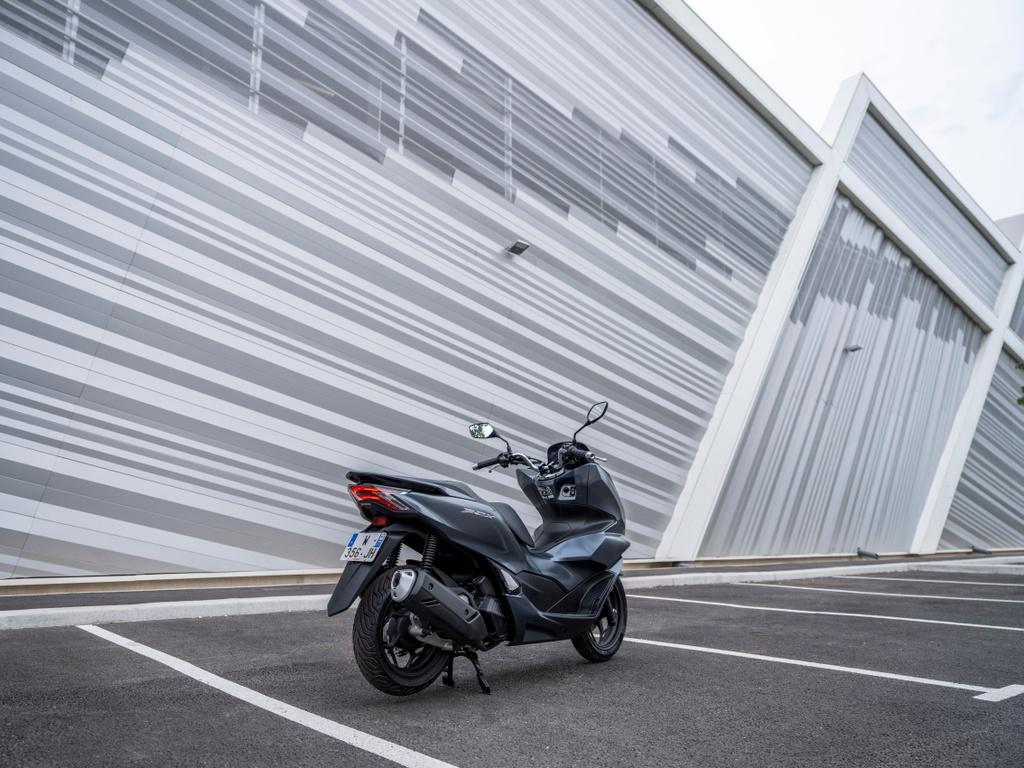 Honda PCX 125 2021 ra mat anh 11
