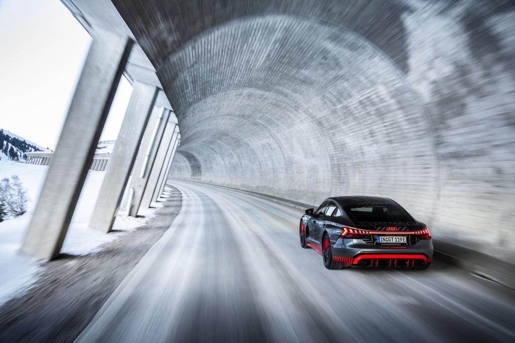 Audi e-tron GT sap ra mat anh 7
