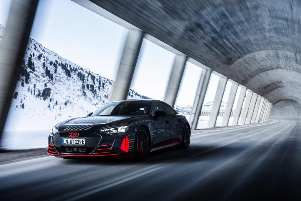 Audi e-tron GT sap ra mat anh 6