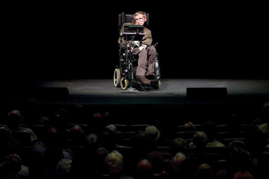 Tu AI den nguoi ngoai Trai Dat: Hawking noi gi ve tuong lai nhan loai? hinh anh 1
