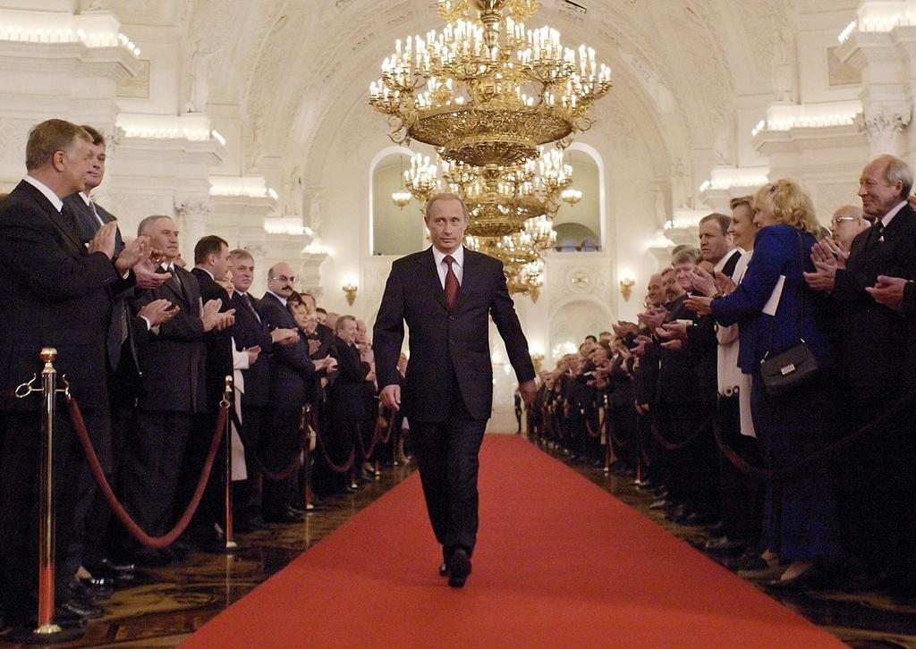Tong thong Putin: Tao bao, manh me va niem tu hao cua nguoi Nga hinh anh 5