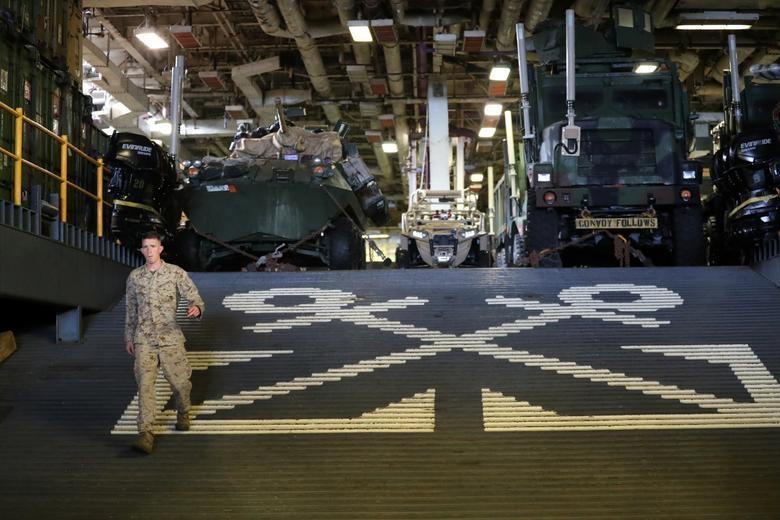 Can canh tau chien USS Boxer duoc cho la da ha guc drone cua Iran hinh anh 3