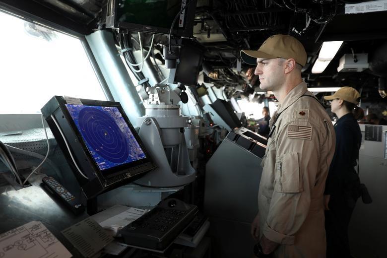 Can canh tau chien USS Boxer duoc cho la da ha guc drone cua Iran hinh anh 5