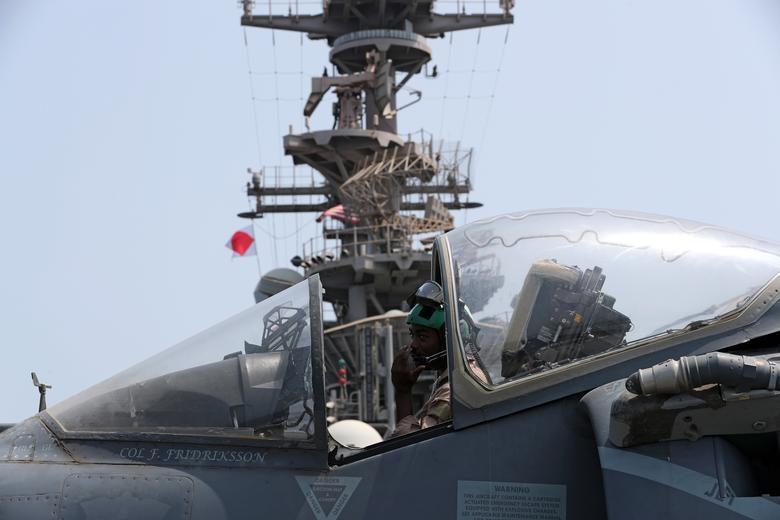 Can canh tau chien USS Boxer duoc cho la da ha guc drone cua Iran hinh anh 9