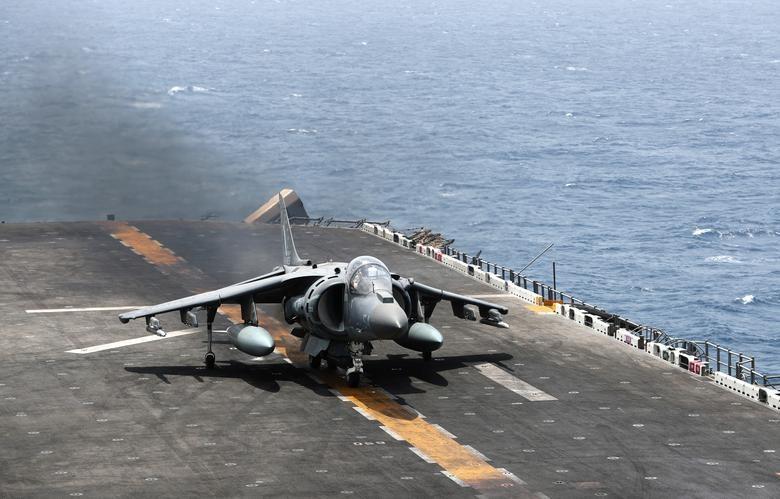 Can canh tau chien USS Boxer duoc cho la da ha guc drone cua Iran hinh anh 10
