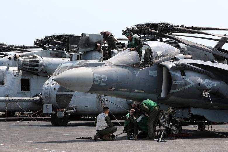 Can canh tau chien USS Boxer duoc cho la da ha guc drone cua Iran hinh anh 12