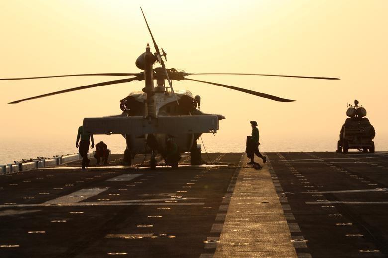 Can canh tau chien USS Boxer duoc cho la da ha guc drone cua Iran hinh anh 2
