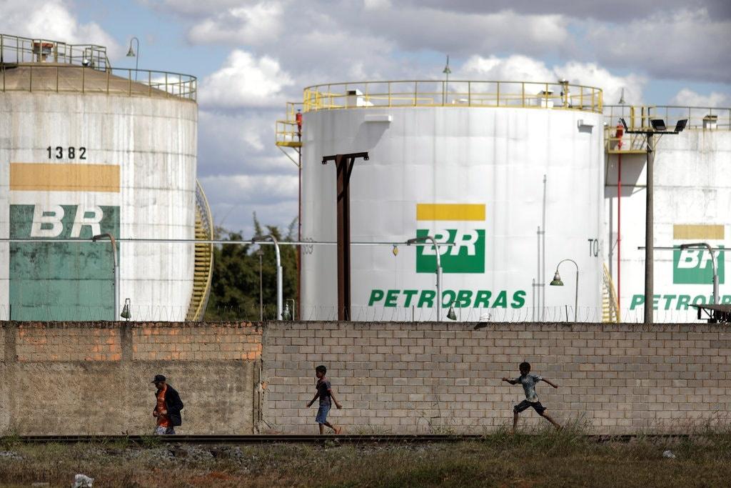 Giá tăng nhưng bất ổn thị trường dầu sẽ không kéo dài sau vụ Saudi