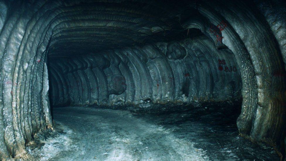 Vì sao Mỹ dự trữ dầu trong các mỏ muối sâu 1 km dưới lòng đất?