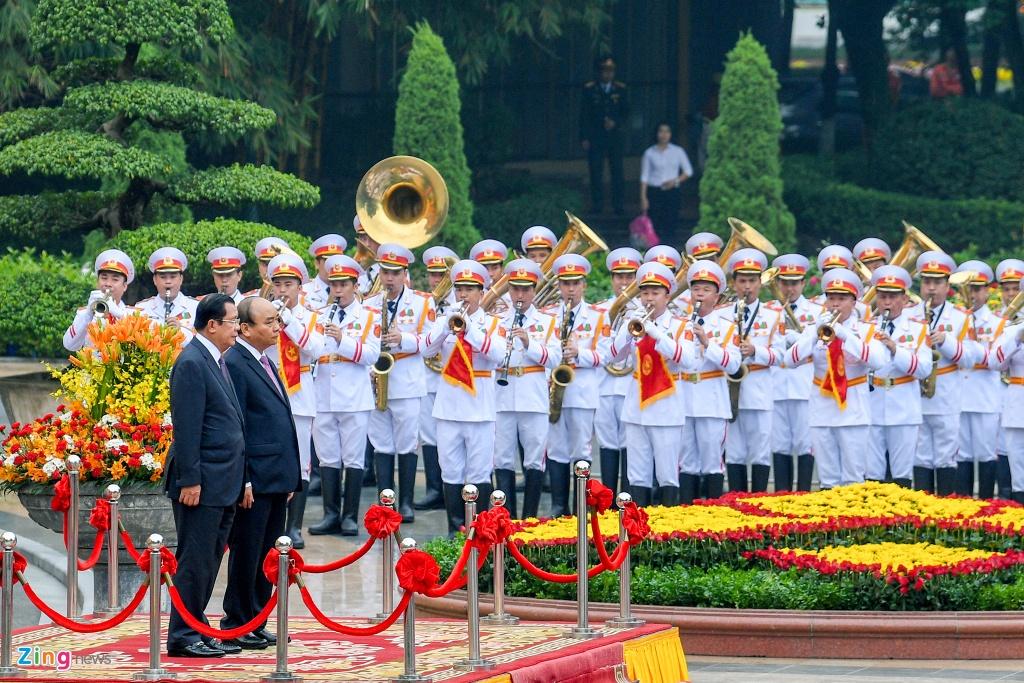 Thu tuong Nguyen Xuan Phuc hoi dam voi Thu tuong Hun Sen hinh anh 1