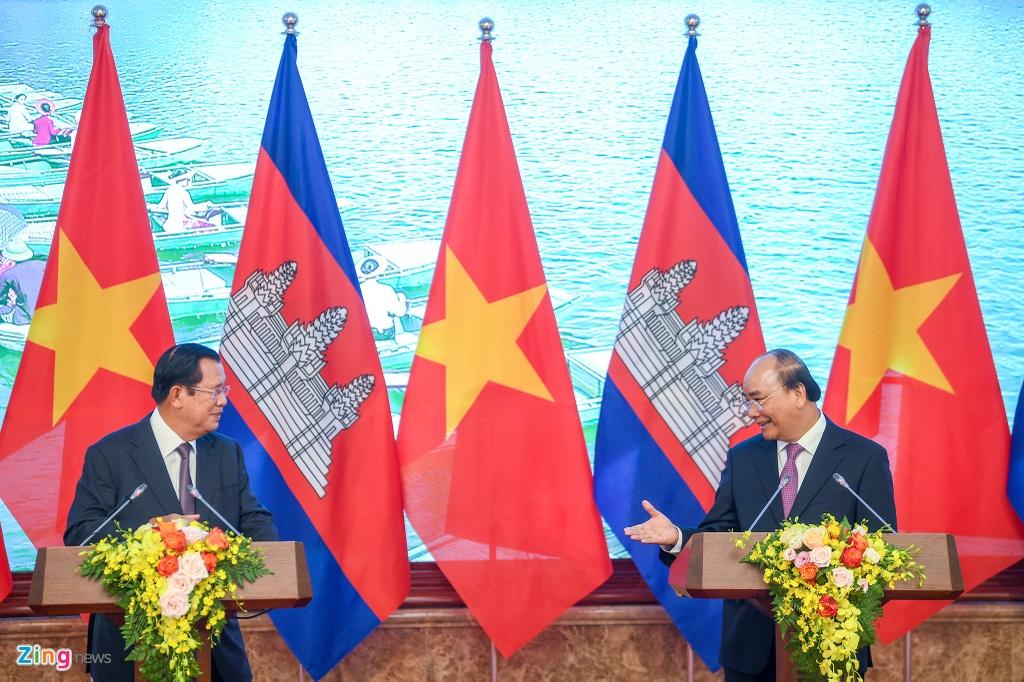 Thu tuong Nguyen Xuan Phuc hoi dam voi Thu tuong Hun Sen hinh anh 9
