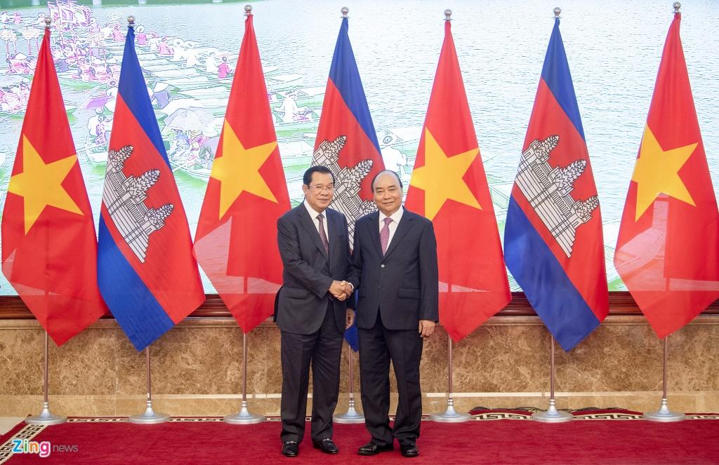 Thu tuong Nguyen Xuan Phuc hoi dam voi Thu tuong Hun Sen hinh anh 3