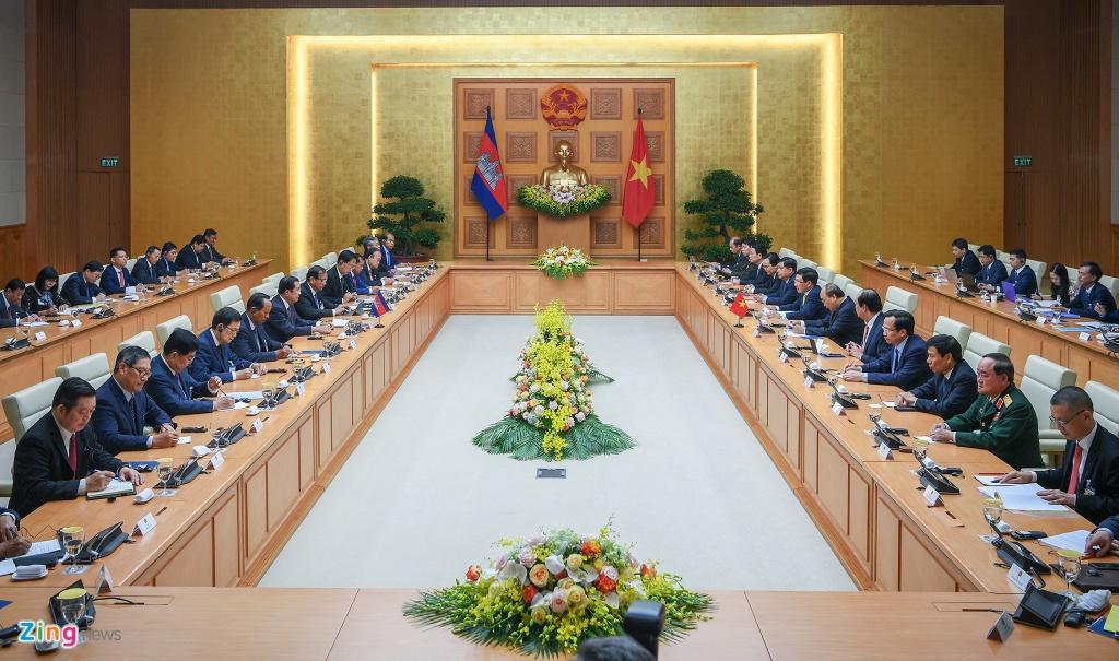 Thu tuong Nguyen Xuan Phuc hoi dam voi Thu tuong Hun Sen hinh anh 4
