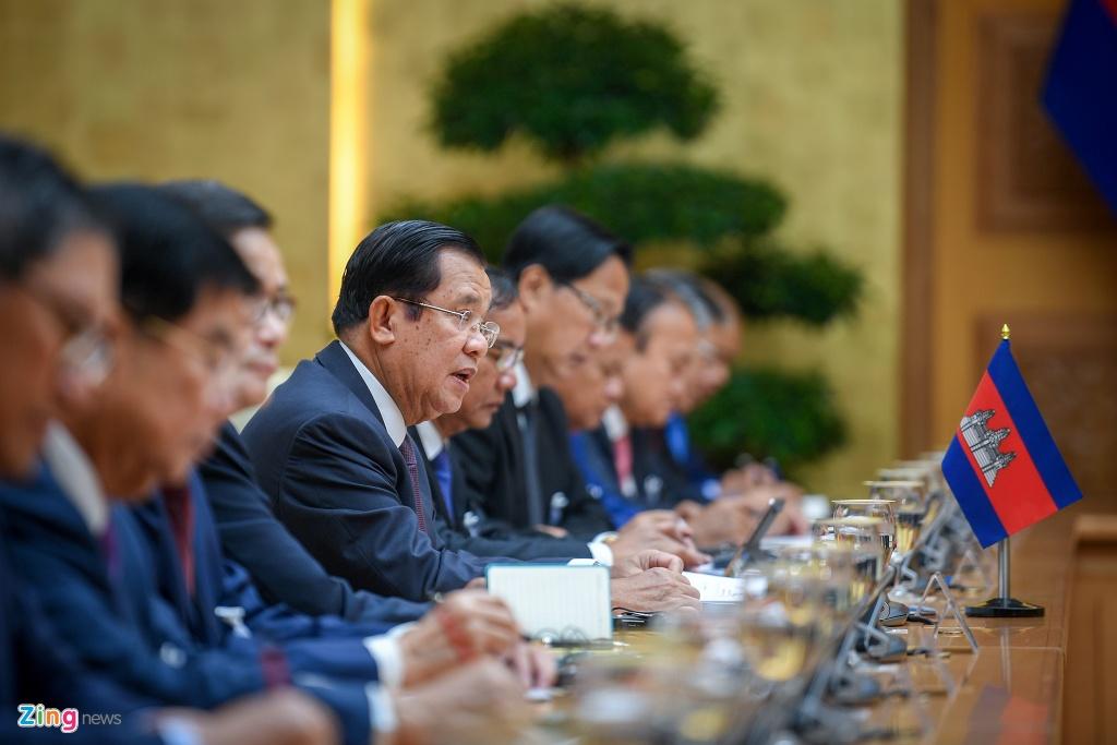 Thu tuong Nguyen Xuan Phuc hoi dam voi Thu tuong Hun Sen hinh anh 6