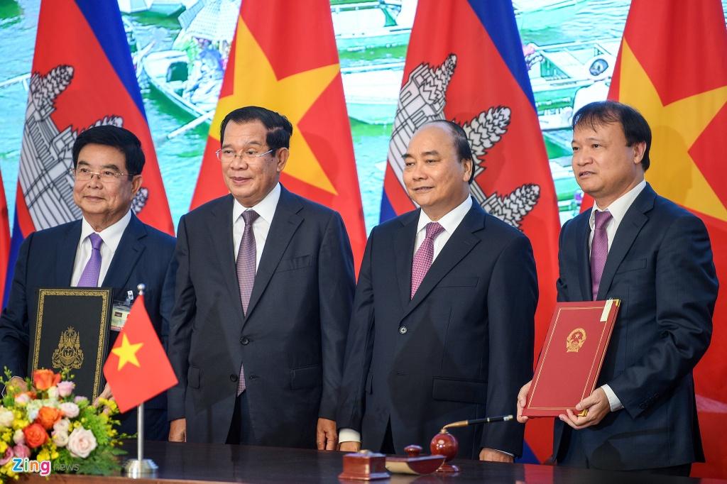 Thu tuong Nguyen Xuan Phuc hoi dam voi Thu tuong Hun Sen hinh anh 8