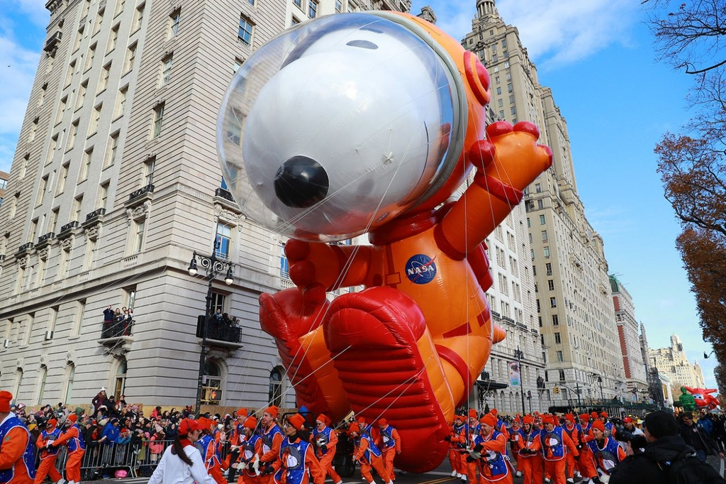 New York tung bung dieu hanh bong bay Pikachu, Son Goku dip le Ta on hinh anh 4