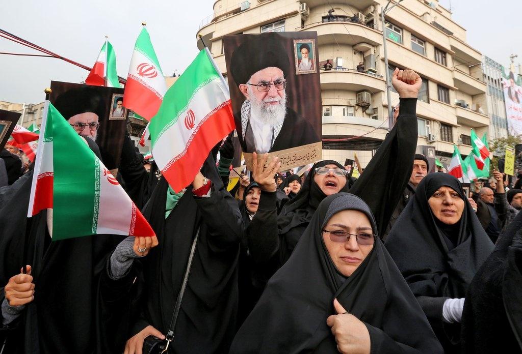 Iran tran ap bieu tinh dam mau giua bat on toi te nhat trong 40 nam hinh anh 4 merlin_165053514_de06fd4e-ee25-475d-8a70-00e70d848d67-jumbo_AFP.jpg
