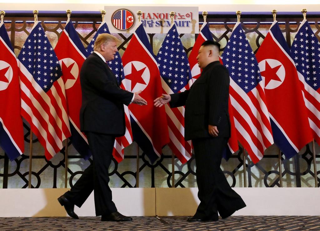 Pho thu tuong: Bien Dong la quan tam chung cua tat ca cac nuoc hinh anh 3 bat_tay_lich_su_Trump_Kim_Reuters.jpg