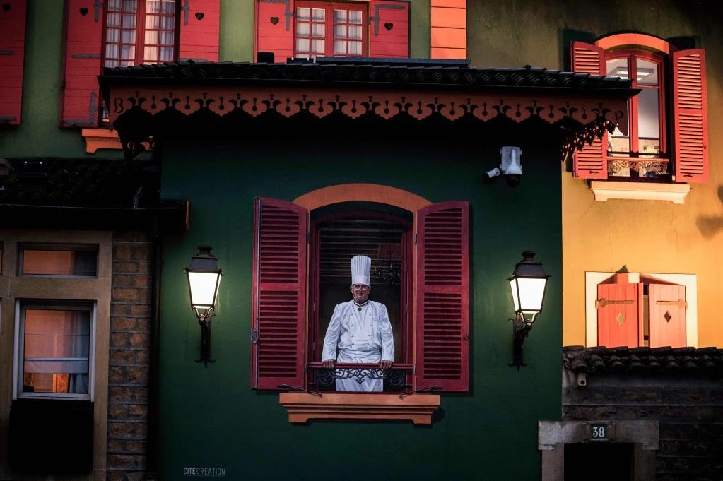 Nha hang Phap mat sao Michelin 'chiem song' dinh cong, tinh hinh Iran hinh anh 2 ezgif.com_webp_to_jpg_AFP.jpg