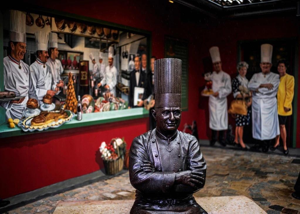 Nha hang Phap mat sao Michelin 'chiem song' dinh cong, tinh hinh Iran hinh anh 3 ezgif.com_webp_to_jpg_tuong_AFP.jpg
