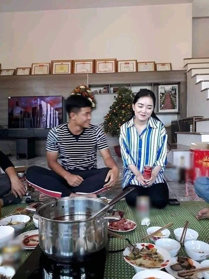 Ban gai Quang Hai, Duy Manh va nhung lan khon kho vi dan mang hinh anh 10
