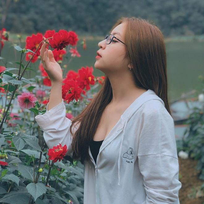 Ban gai Quang Hai, Duy Manh va nhung lan khon kho vi dan mang hinh anh 1