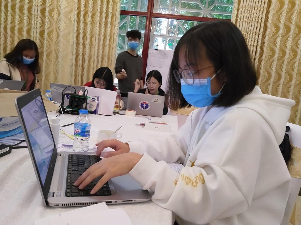 Nhom sinh vien DH Y te Cong cong tinh nguyen tham gia chong dich hinh anh 3 52b2d0cb53e3a8bdf1f2.jpg