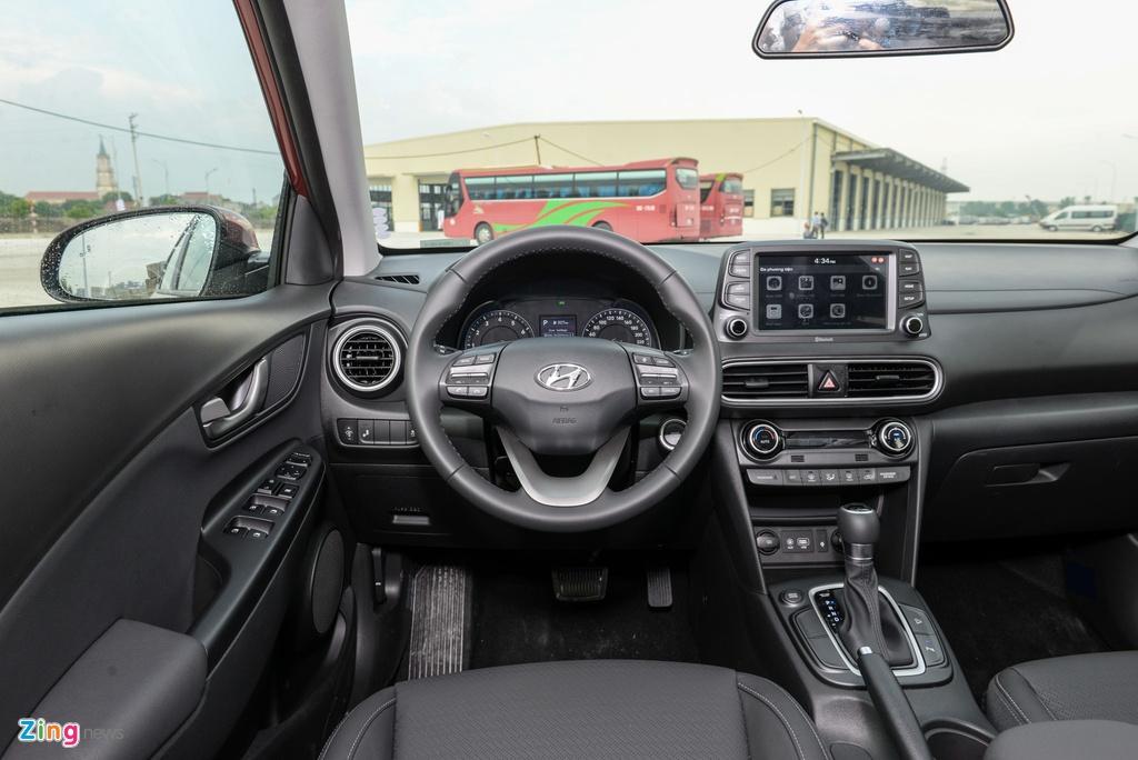 Ford EcoSport va Hyundai Kona xe nao dang mua. anh 8