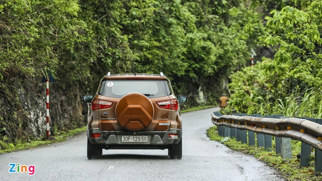Ford EcoSport va Hyundai Kona xe nao dang mua. anh 5