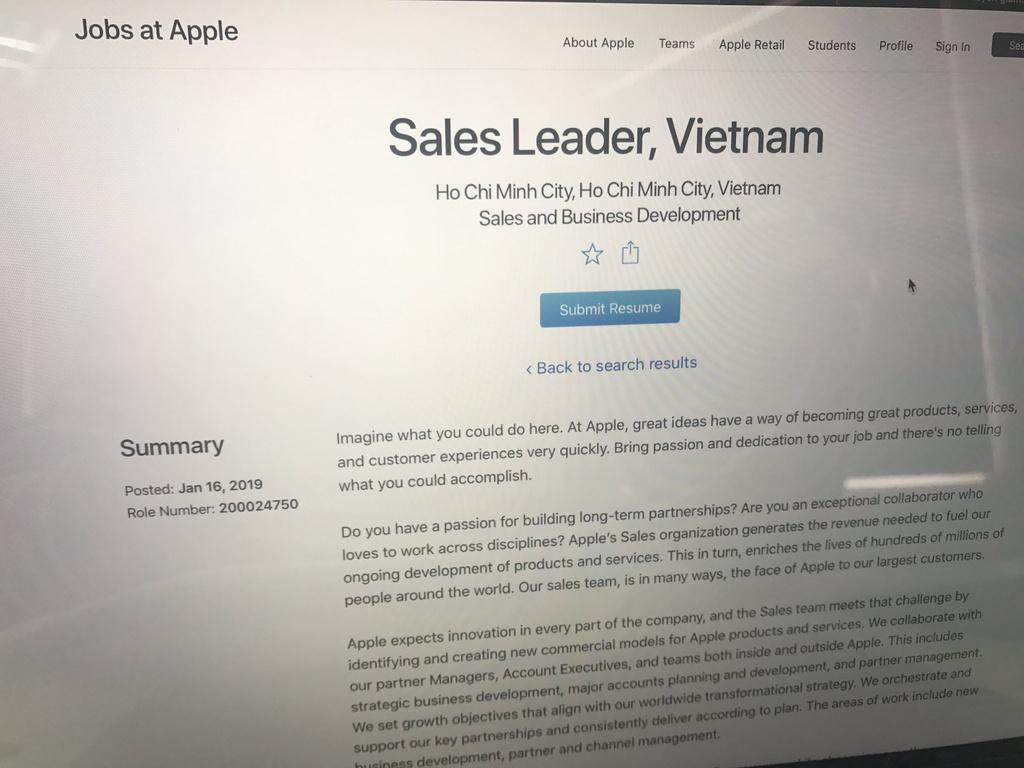Dau hieu Apple chuan bi cho viec san xuat iPhone o Viet Nam hinh anh 3 Apple_tuyen_dung_1.jpg
