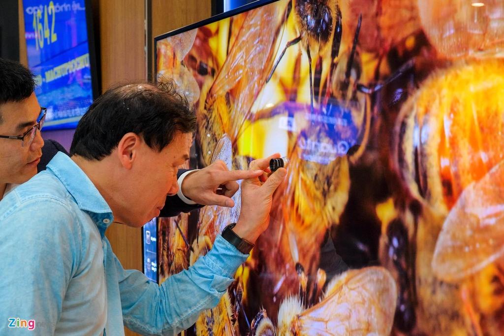 Samsung ra mat TV QLED 8K dau tien tai Viet Nam hinh anh 2