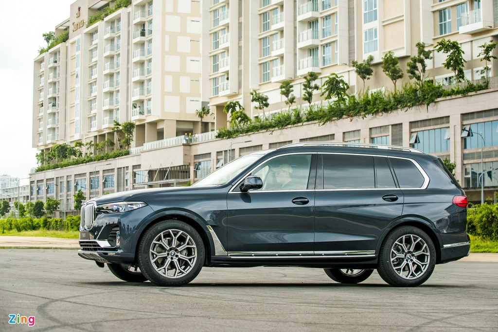 Chi tiet BMW X7 ra mat VN, SUV sang co lon gia 7,5 ty dong hinh anh 3