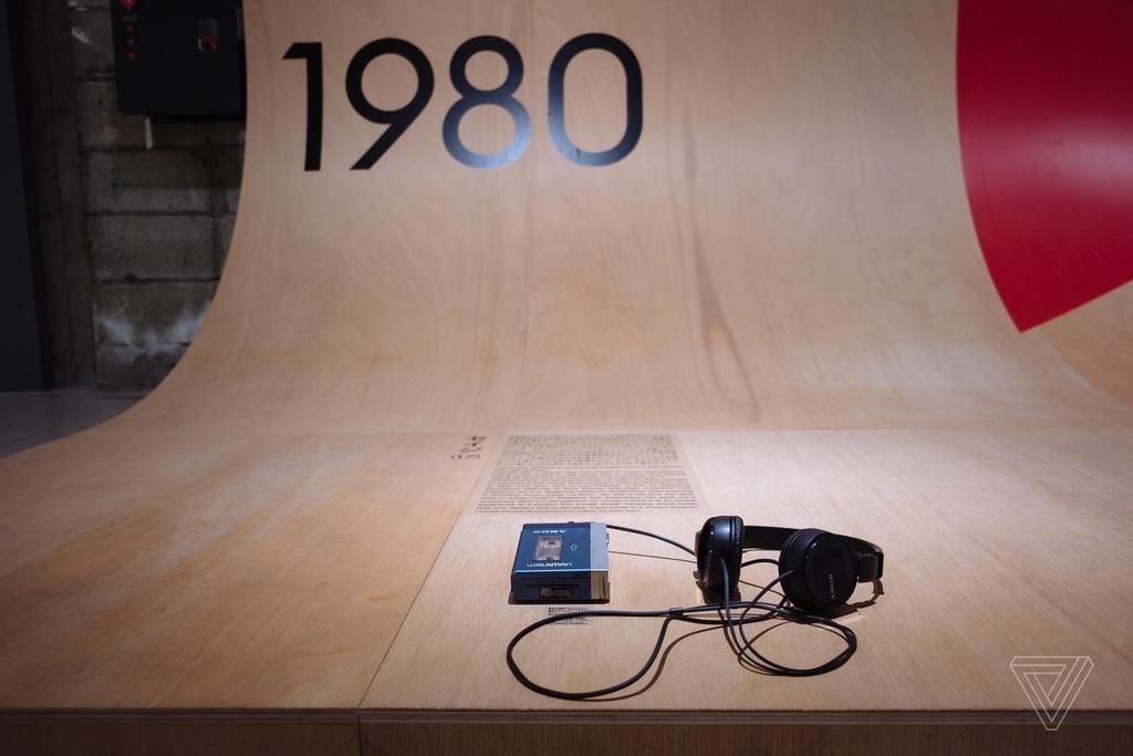 Nhin lai nhung chiec Sony Walkman tung khien 7X, 8X Viet tu hao hinh anh 8