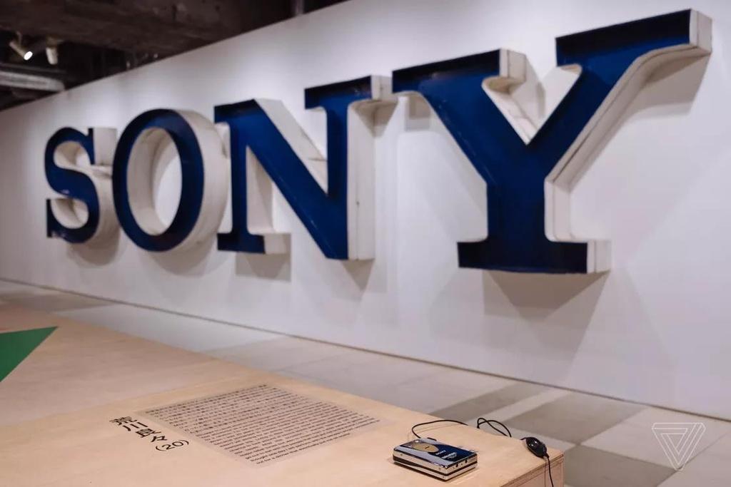 Nhin lai nhung chiec Sony Walkman tung khien 7X, 8X Viet tu hao hinh anh 11