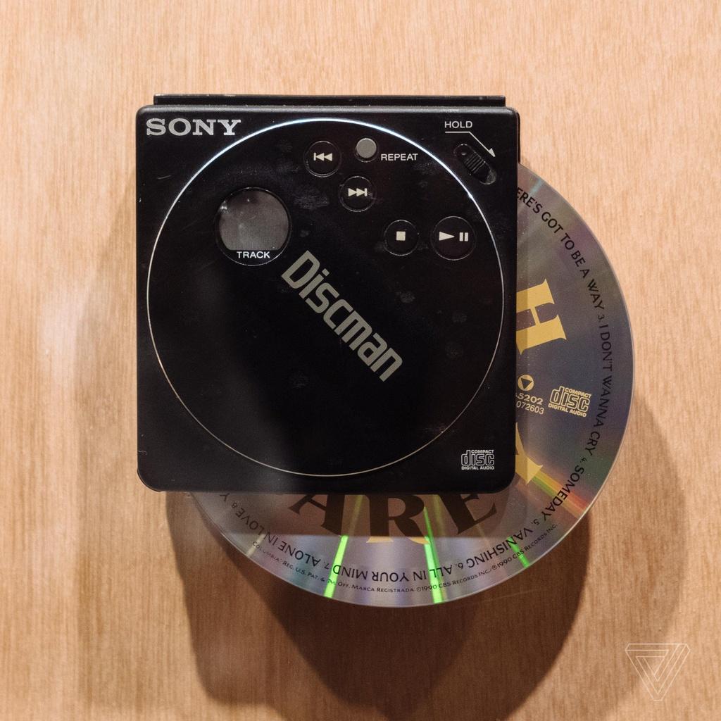 Nhin lai nhung chiec Sony Walkman tung khien 7X, 8X Viet tu hao hinh anh 12
