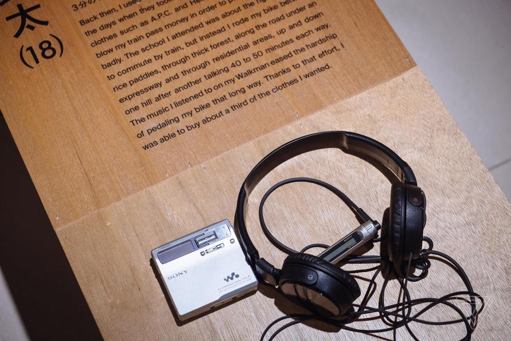 Nhin lai nhung chiec Sony Walkman tung khien 7X, 8X Viet tu hao hinh anh 16