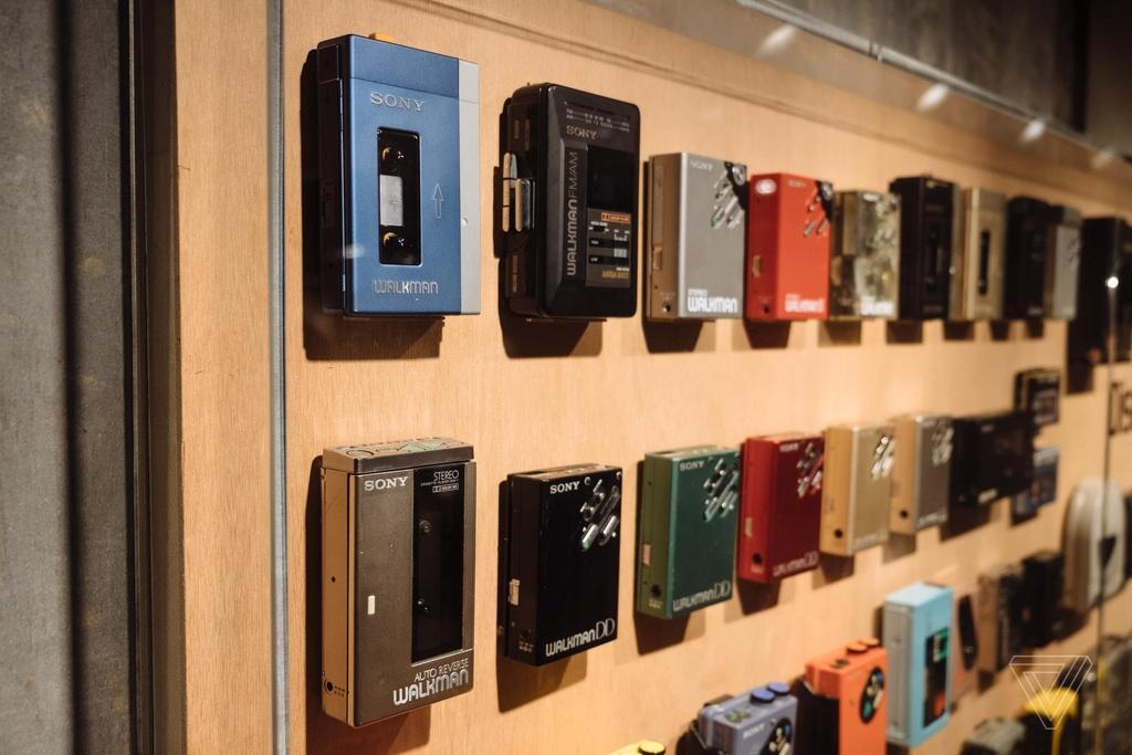 Nhin lai nhung chiec Sony Walkman tung khien 7X, 8X Viet tu hao hinh anh 18