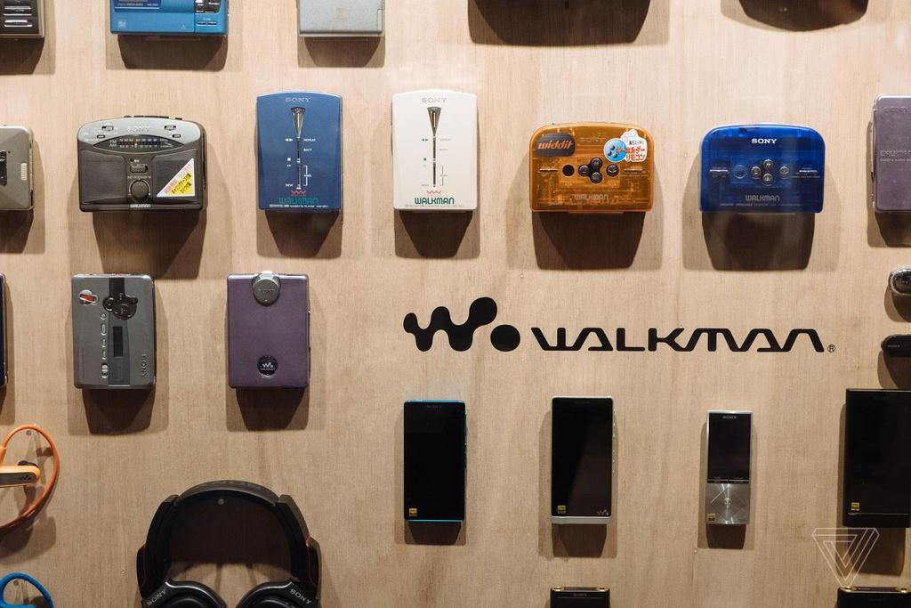 Nhin lai nhung chiec Sony Walkman tung khien 7X, 8X Viet tu hao hinh anh 19