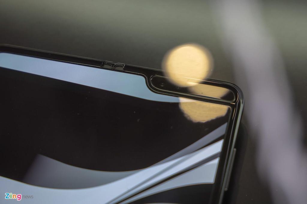 tren tay Samsung Galaxy Fold anh 11