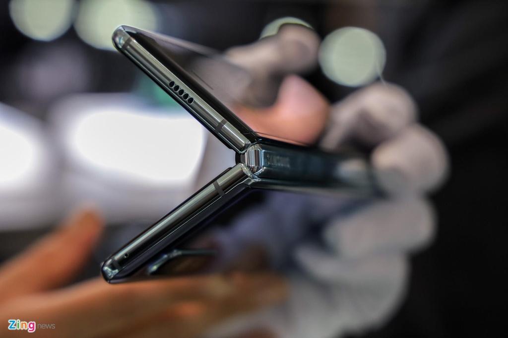 tren tay Samsung Galaxy Fold anh 7