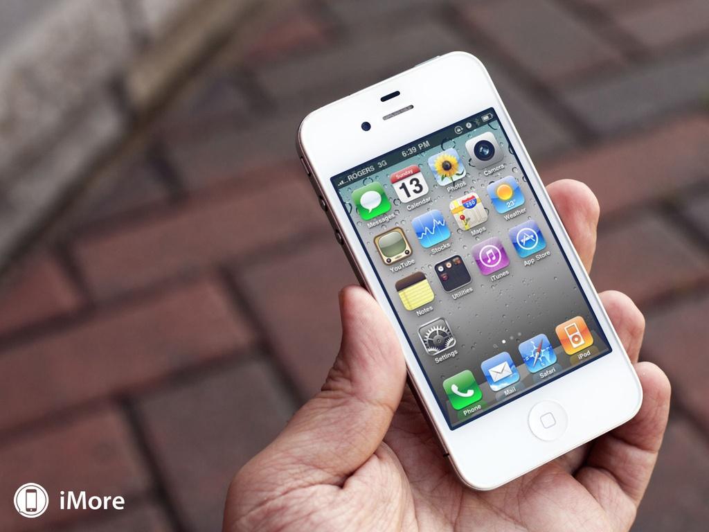 iPhone 4 đánh dấu sự thay đổi toàn diện trong thiết kế. Ảnh: iMore.