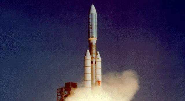 Tau vu tru Voyager 2 va hanh trinh 42 nam vuot thoat He Mat Troi hinh anh 1