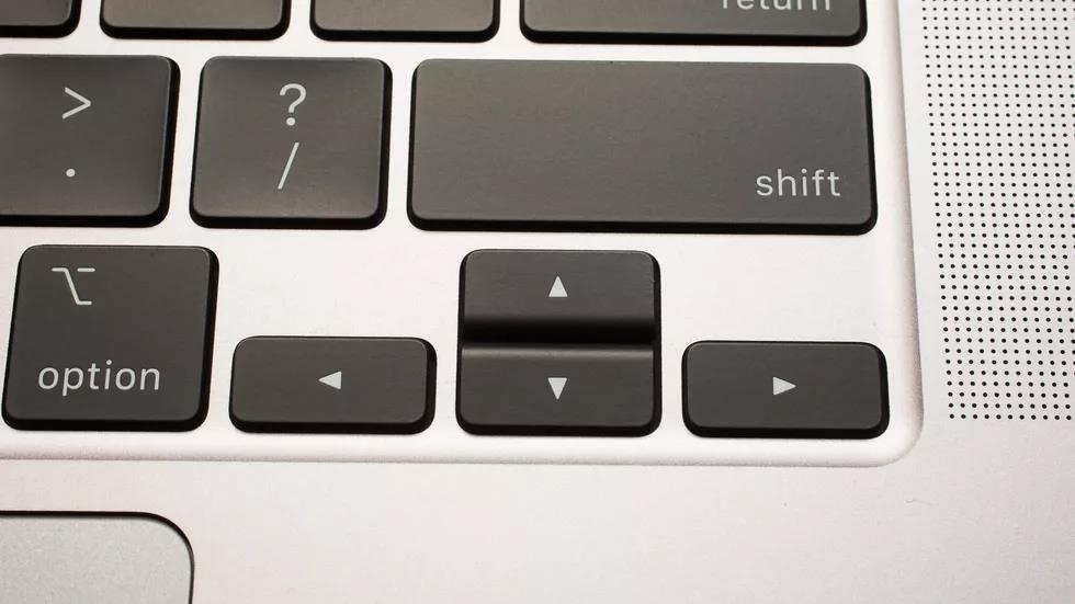 MacBook Pro 16 inch ra mat - ban phim moi, gia toi da 6.100 USD hinh anh 9