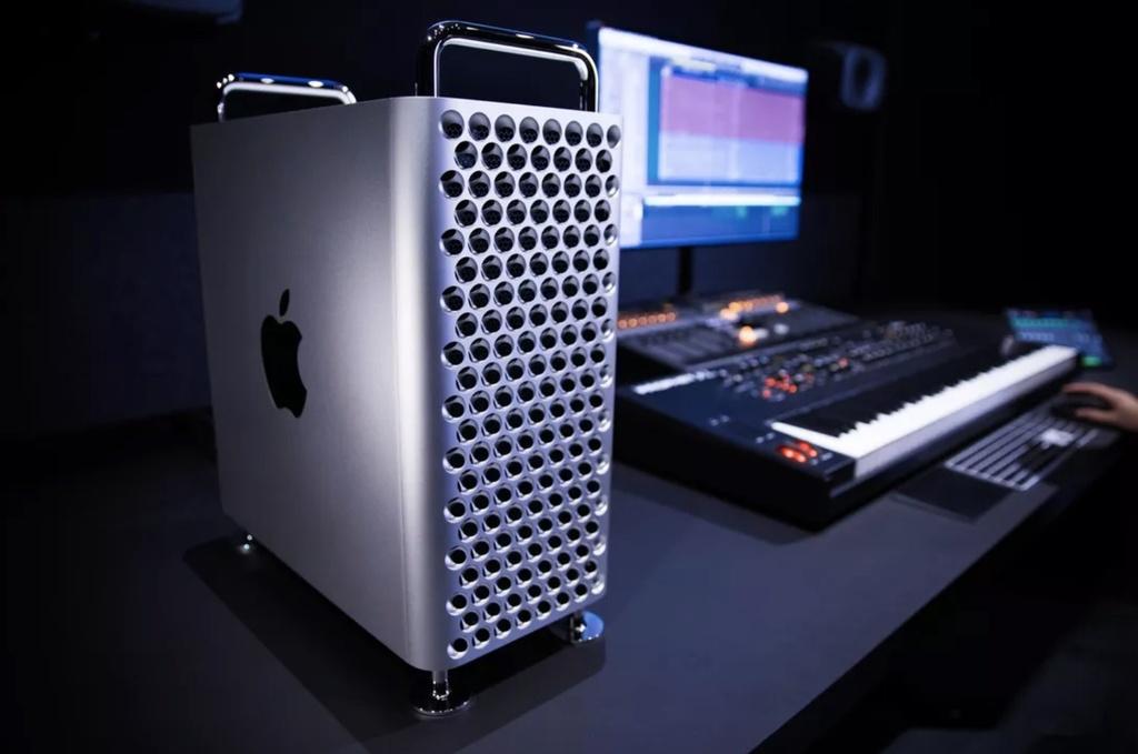 Sau 4 năm cứng đầu và ngạo mạn, Apple âm thầm nhận sai với người dùng