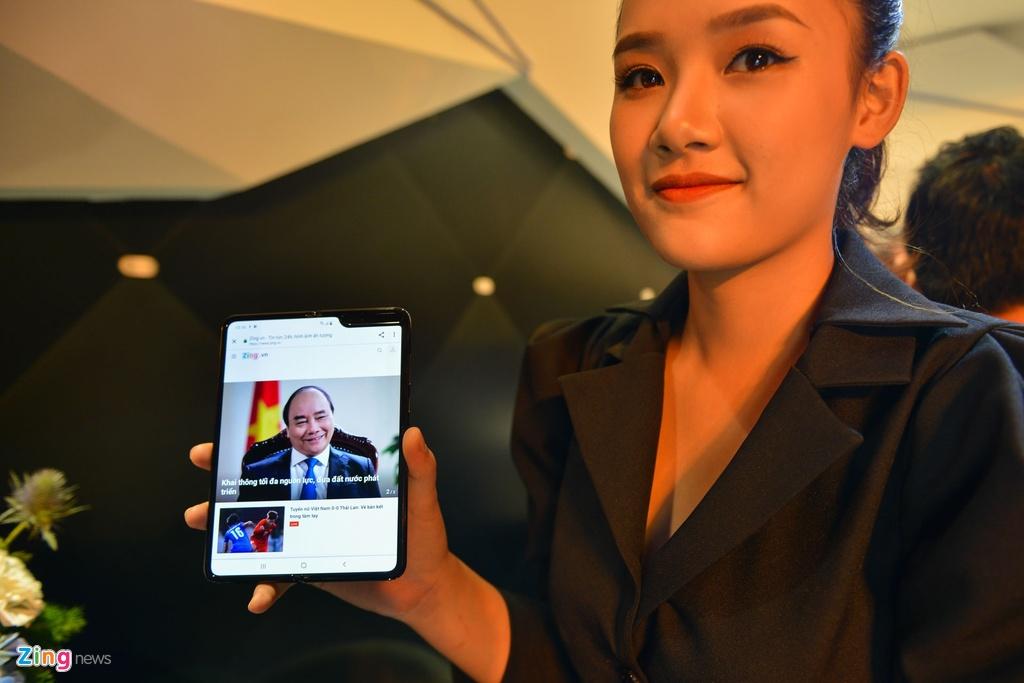 Samsung va Huawei ban dien thoai theo cach la anh 2