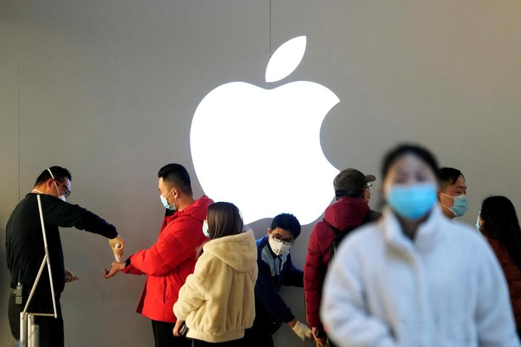 Quy trinh lam iPhone moi dinh tre vi mot con virus hinh anh 1 Apple_Foxconn_1.jpg