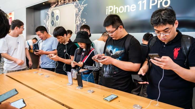 Apple, Microsoft mac ket vi 'made in China' hinh anh 2 CNBC_1.jpeg