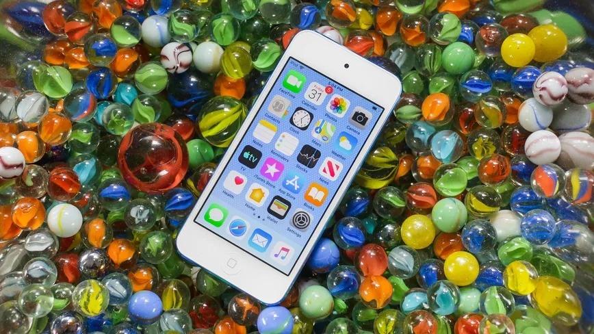 Muon biet vi sao Apple giau, hay nhin vao chiec iPhone SE hinh anh 4 iPod_Touch_2019_Cnet.jpg