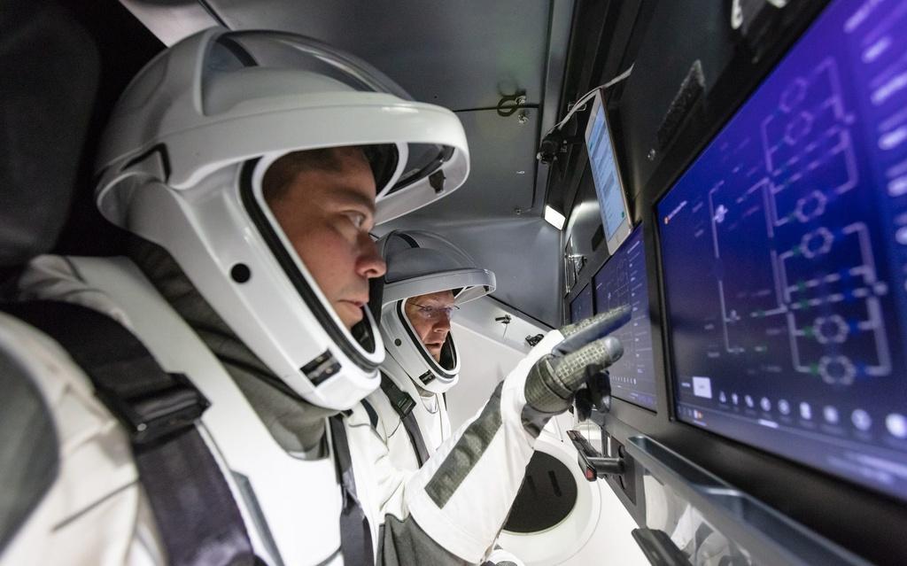 Giay phut lich su tau cua SpaceX noi voi Tram vu tru Quoc te hinh anh 2 SpaceX_4.jpg
